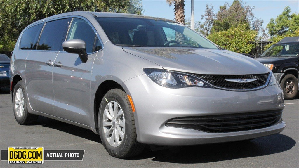 new 2017 chrysler pacifica touring l fwd msrp prices autos post. Black Bedroom Furniture Sets. Home Design Ideas